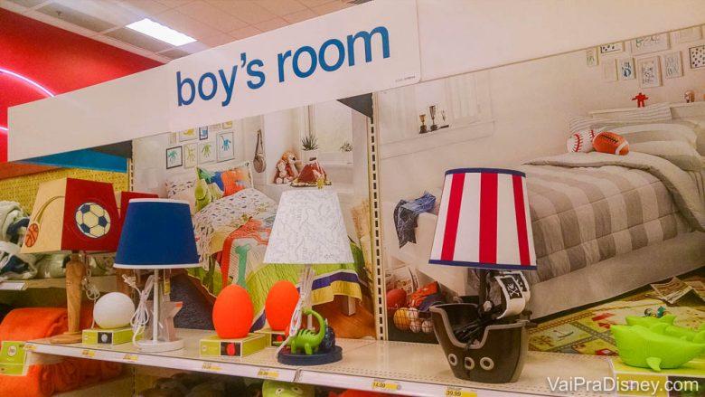 Alguns abajures da Target para quarto das crianças. Muito legal!!