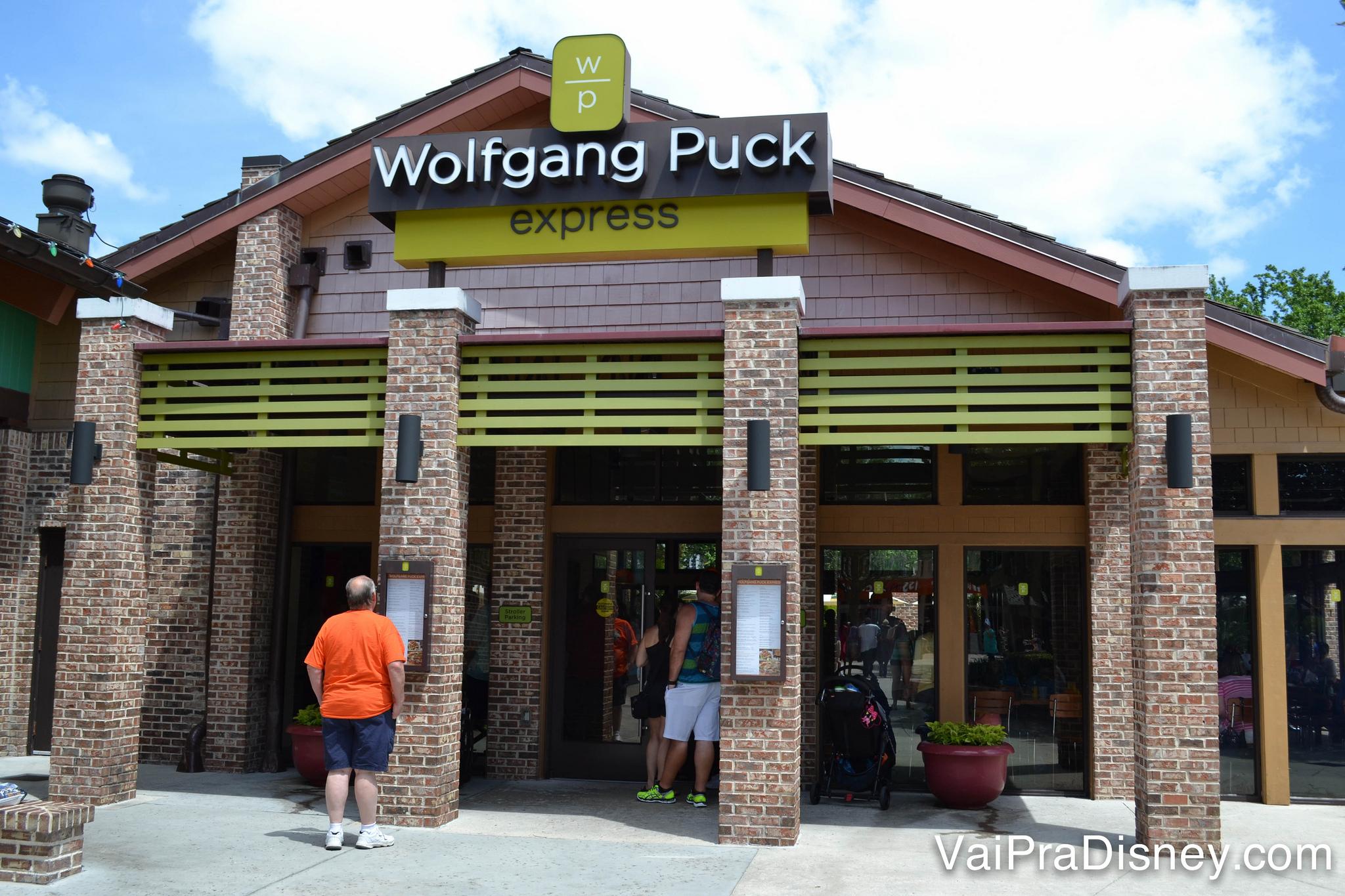Wolfgang Puck Express é rápido e variado.