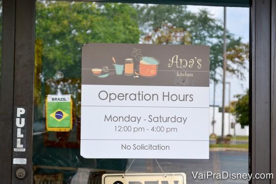 Se quiser ir no Ana's Kitchen, lembre-se que ele não abre aos domingos.