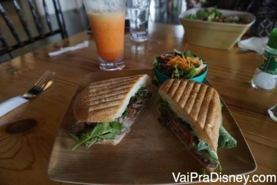 Mais uma do meu sanduíche de churrasco com vinagrete. Bem brasileiro e delicioso!