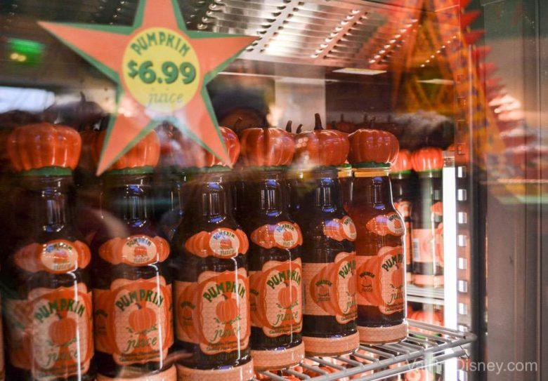 Suco de abóbora é vendido em vários lugares.