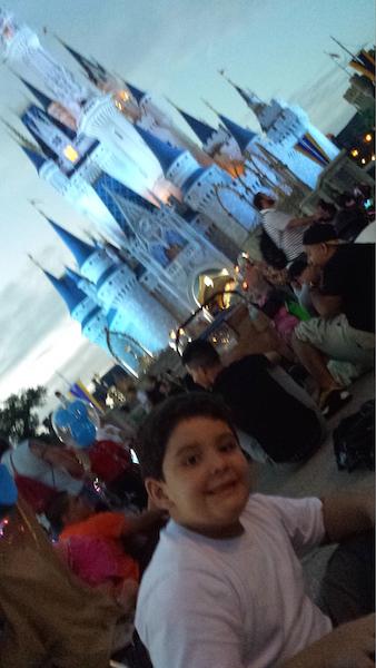 "David fazendo ""pic nic"" na Disney"