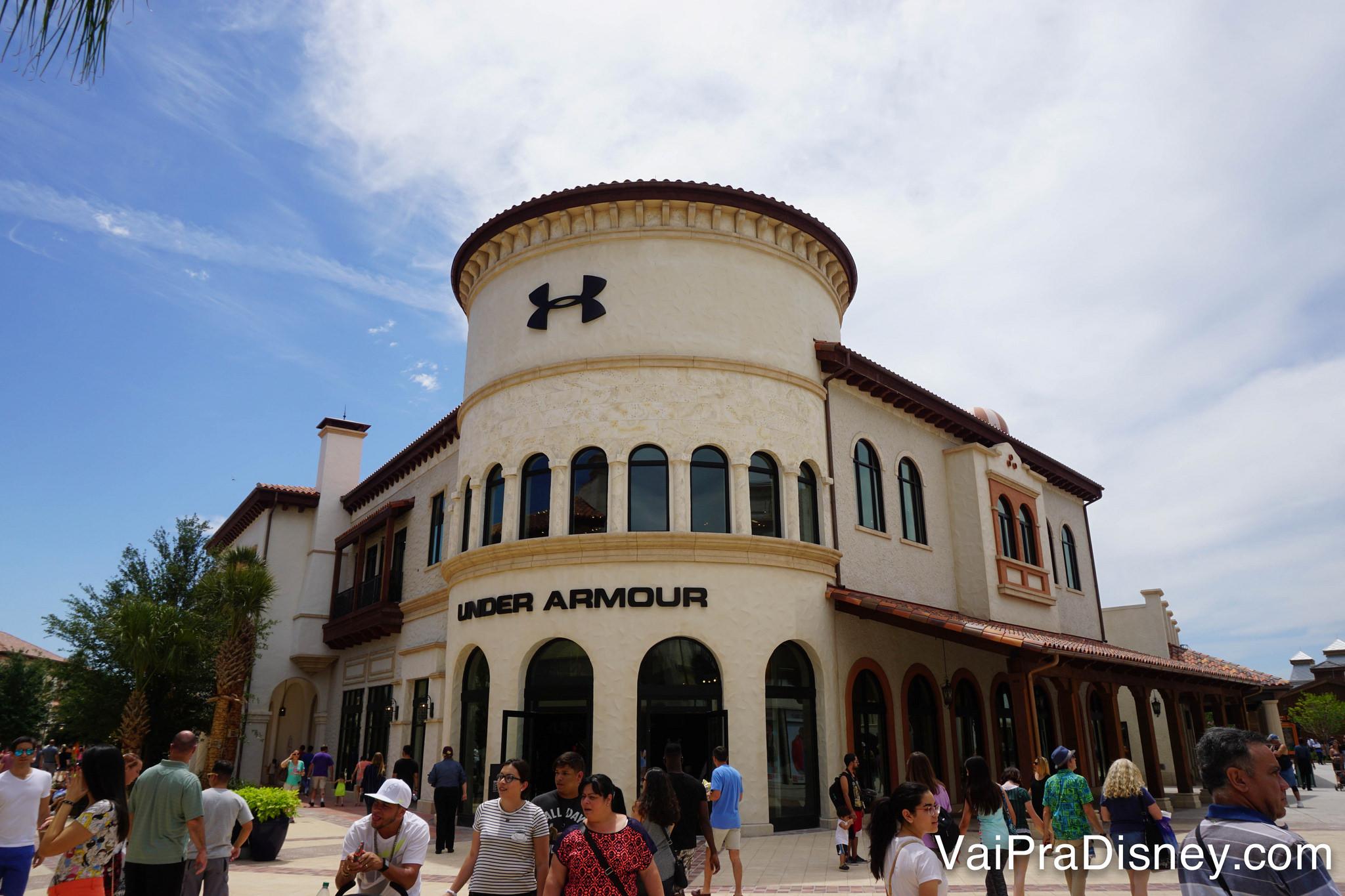 Under Armour é uma das muitas marcas presente no Disney Springs hoje.
