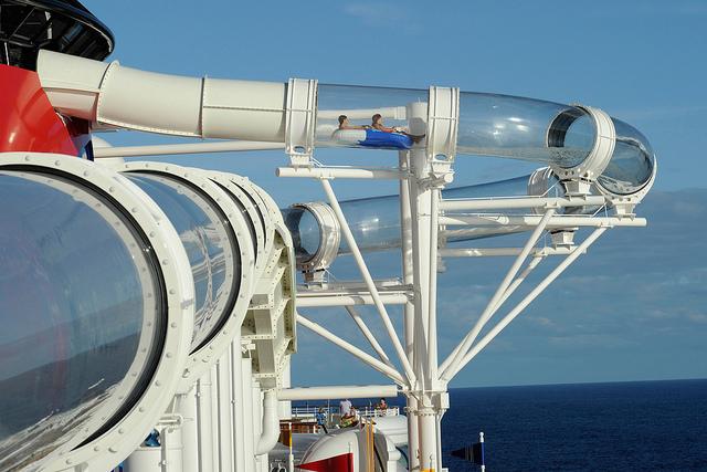 Foto da Disney que mostra os detalhes bem melhor do que as minhas: olha como o Aquaduck tem uma parte externa ao navio. Muito legal!