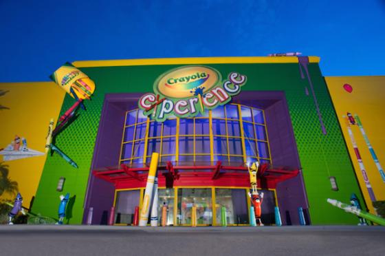 O Crayola Experience do Florida Mall traz uma proposta bem interessante. Já fizemos um post com todos os detalhes de lá. :)