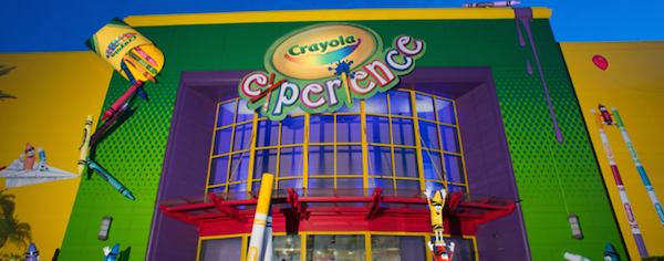 O Crayola Experience traz uma proposta bem interessante. Já fizemos um post com todos os detalhes de lá. :)
