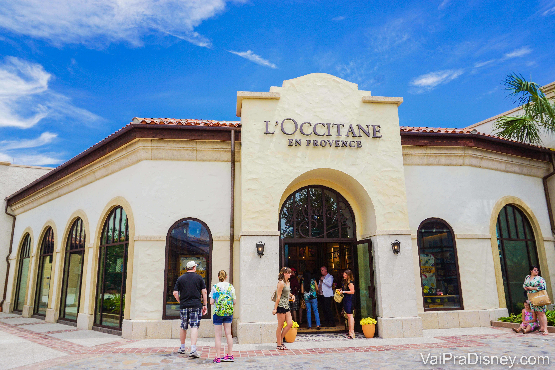A imagem mostra a fachada da loja L'Occitane en Provence em Disney Springs