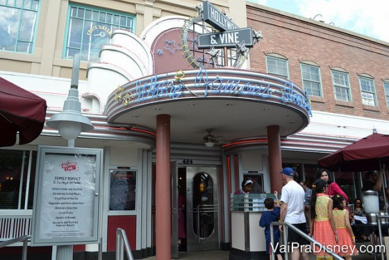 Entrada do Hollwyood & Vine no Disney's Hollywood Studios