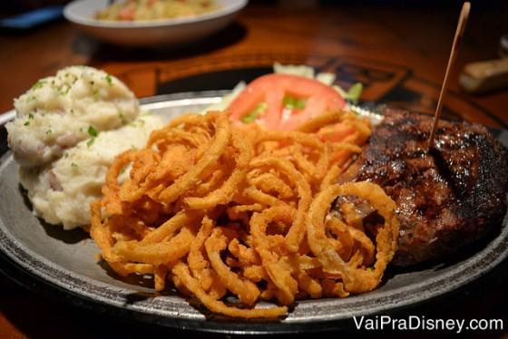 Para quem não curte camarão, os outros pratos também são gostosos.
