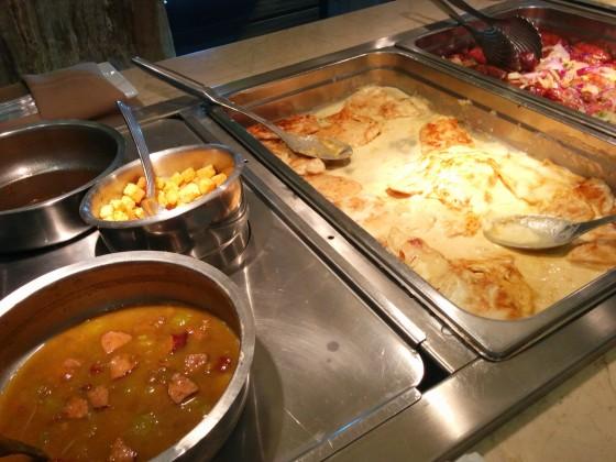 Alguns outros pratos do Gilson's.
