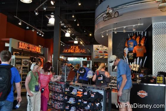 Um pouquinho da loja do Disney Springs.