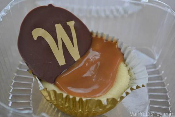 Cheesecake com caramelo: uma das maravilhas da loja de doces alemã