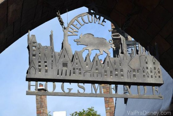 Entrada da vila de Hogsmeade no Islands of Adventure