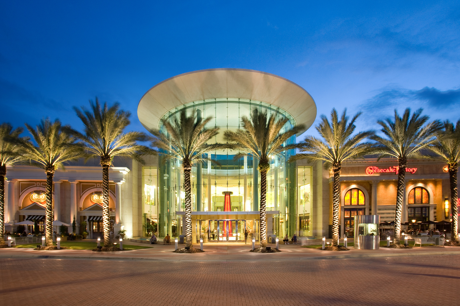 Regular Mall Hours, Monday - Saturday 10AM-9PM / Sunday 11AM-7PM.