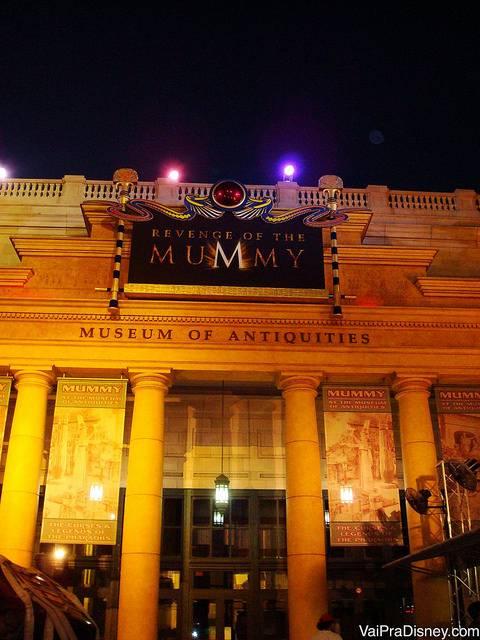 Montanha russa da Mumia. Uma das minhas preferidas