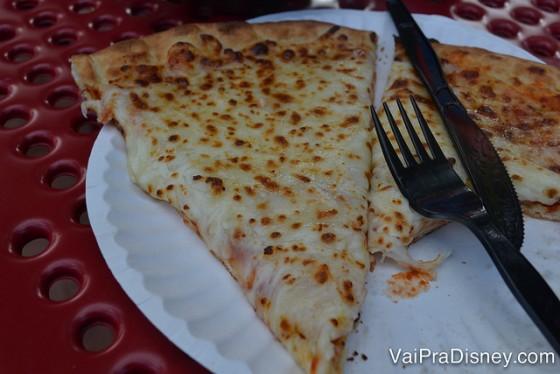 Verdade seja dita: a pizza do Sea World é bem mais gostosa do que a da Disney. A massa é mais fininha, sabe?