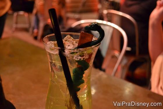 Foto do drinque da Renata no Jock Lindsey's Hangar Bar.