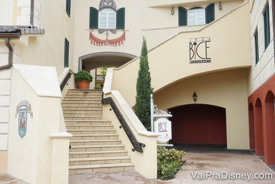 Foto da entrada do Bice, um dos restaurantes italianos