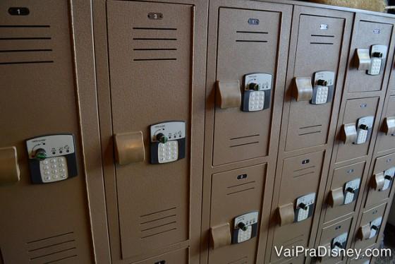 Foto dos armários onde os visitantes guardam seus pertences antes do Wild Africa Trek