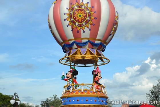 No Magic Kingdom você encontra alguns dos personagens mais queridos: Mickey, Minnie, Cinderela, Anna, Elsa, e por aí vai!