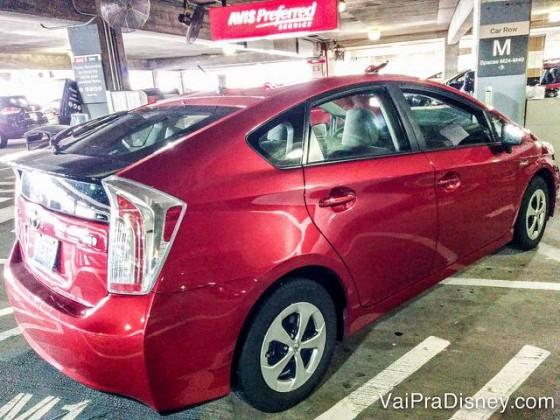 o Prius vermelho que aluguei na Avis. A parte boa dessa cor é que de longe eu encontrava o carro, depois de um dia cansativo no parque