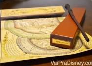 As varinhas interativas vem com essa etiqueta dourada.