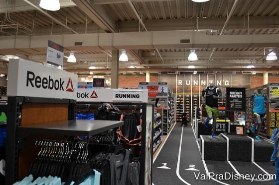 A Dick's é uma loja imperdível para quem pratica esportes. Tem de tudo!