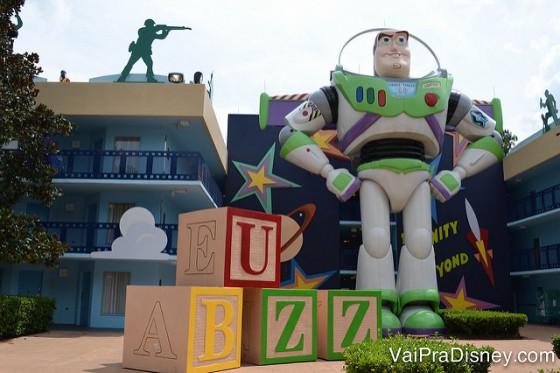O Buzz também aparece na decoração da área do Toy Story do All Star Movies.