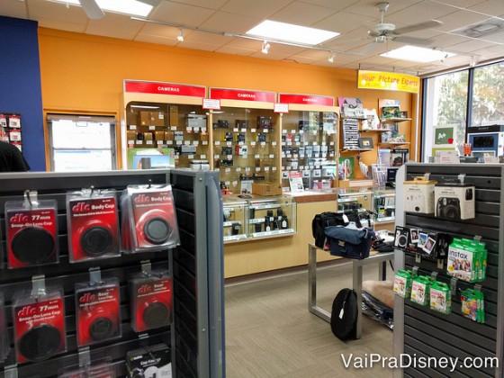 Dá pra notar que a loja não é grande, mas se faltar algo que você estiver procurando, eles mandam buscar