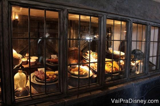 A vitrine de pratos do 3 Vassouras