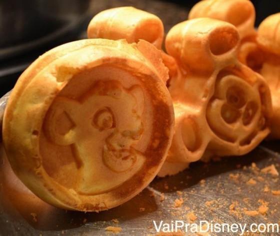 Waffles do Mickey e do Simba lado a lado