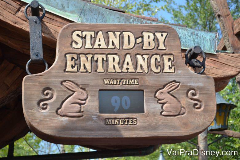 Nas épocas de lotação menor, uma atração ou outra (as mais populares) ainda podem ter uma baita fila, mas nada que um fastpass+ não resolva. Escolhendo bem a data da viagem e fazendo um bom uso dos seus fastpass+ (fura filas da Disney), você aproveita os parques numa boa!