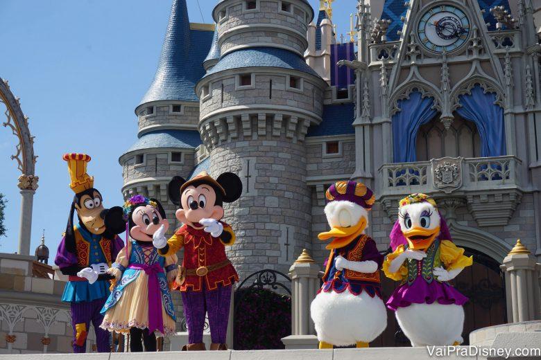 Muitas novidades abrem nos parques para o verão americano . Em 2016, inaugurou nessa época o novo show no castelo do Magic Kingdom.