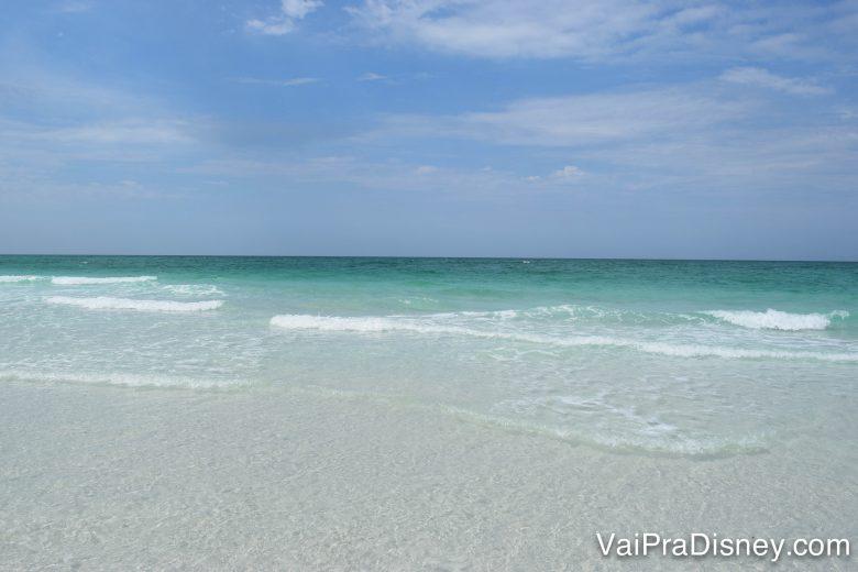 Que tal aproveitar os meses de calor para visitar uma praia próxima de Orlando?