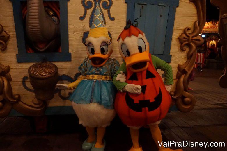 Em outubro a festa de Halloween da Disney continua rolando em diversas datas. Uma ótima chance de tirar foto com personagens nos trajes mais fofos!!