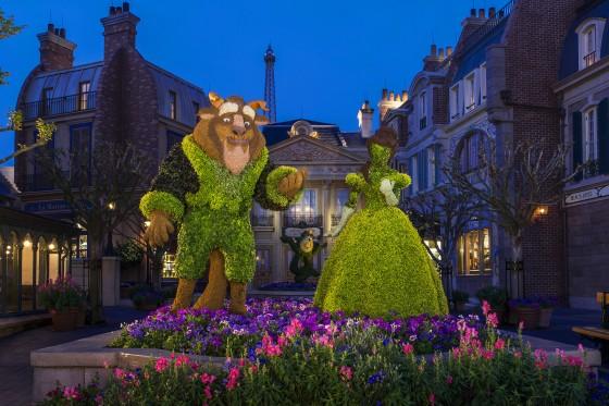 Durante o tour, a gente entende melhor como a Disney cria e conserva essas topiárias lindas.
