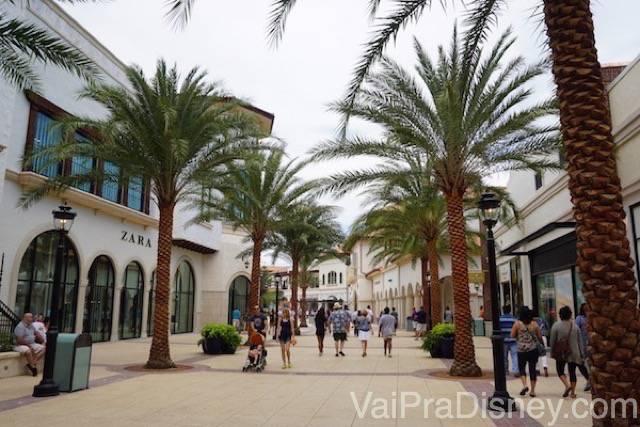 A nova área do Town Center parece até um outlet, de tantas lojas incríveis.