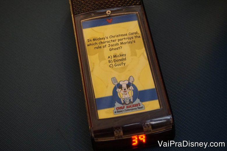 Foto do pager do Chef Mickey's, usado para chamar os visitantes à mesa.