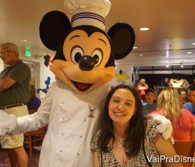 Chef Mickey's também terá jantar especial para este feriado.