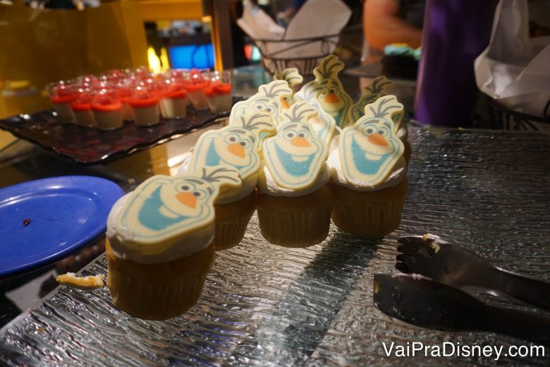 CHEF-MICKEYS-DISNEY-31