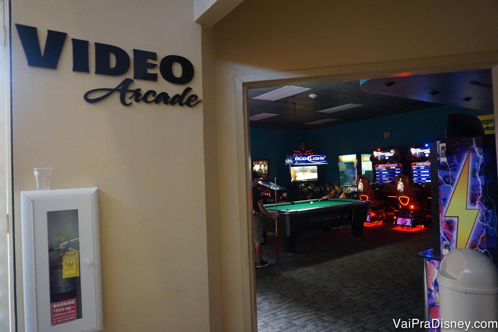 Salão de jogos de fliperama do Rosen Inn Lake Buena Vista.