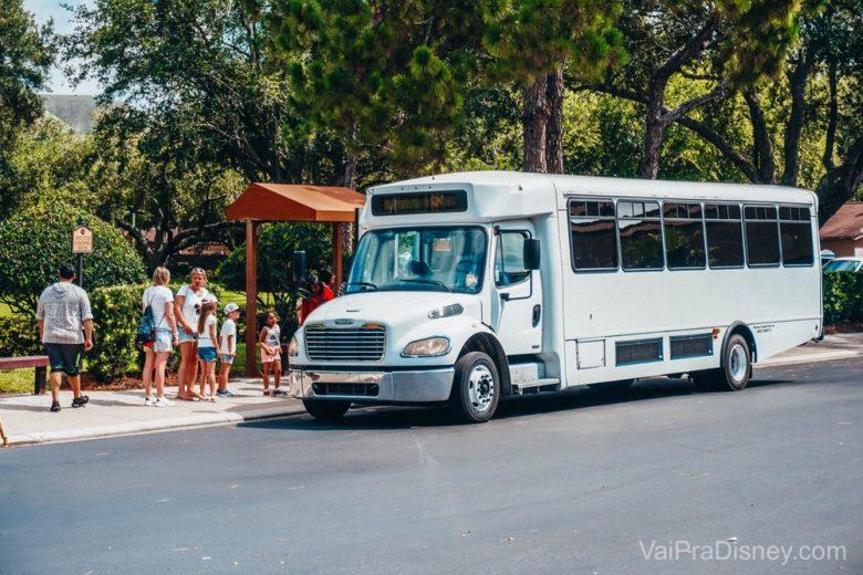 Dos hotéis do grupo Rosen, o Clarion Inn é o único que oferece transporte pra Disney.
