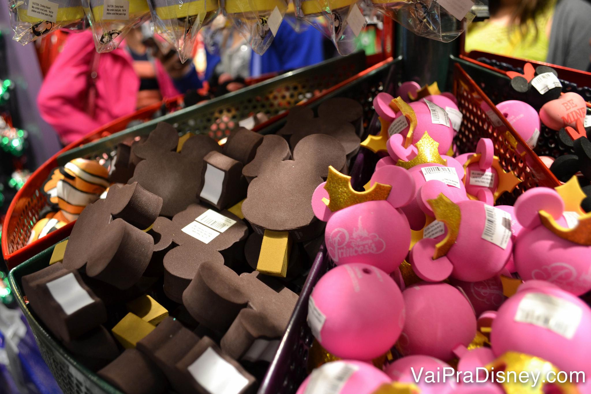 Melhores lojas da Disney para comprar lembrancinhas - Vai pra Disney  9e723a19e6