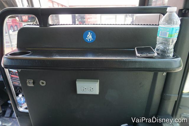 Tomada e Wi-Fi dentro do ônibus até Miami. A viagem fica bem menos monótona.