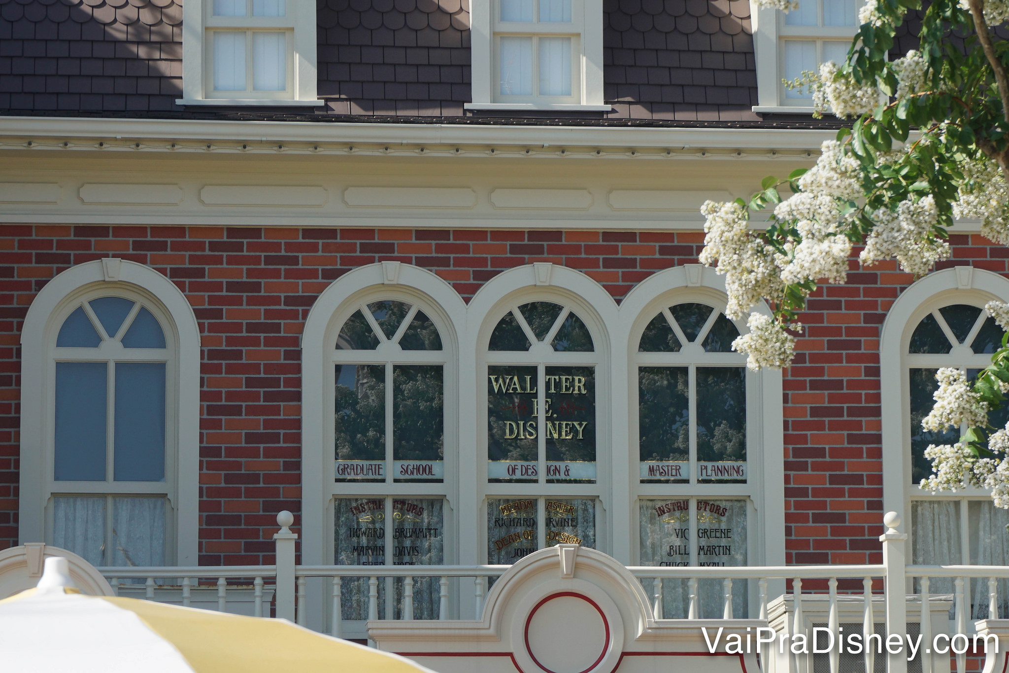 Janela do Walt Disney na Main Street. Você já viu?