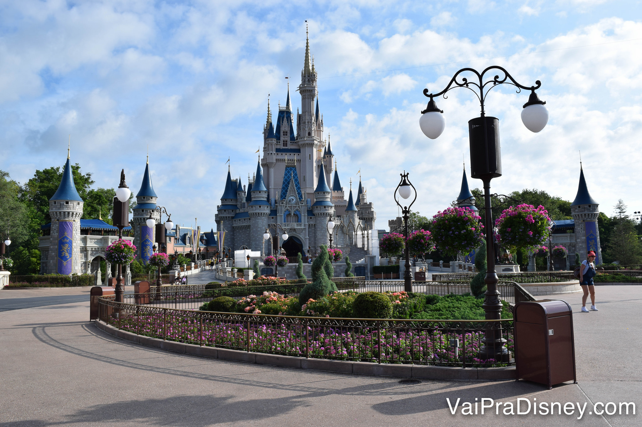 Um dos parques que todo mundo quer ter ingressos para visitar: Magic Kingdom, da Disney! :)