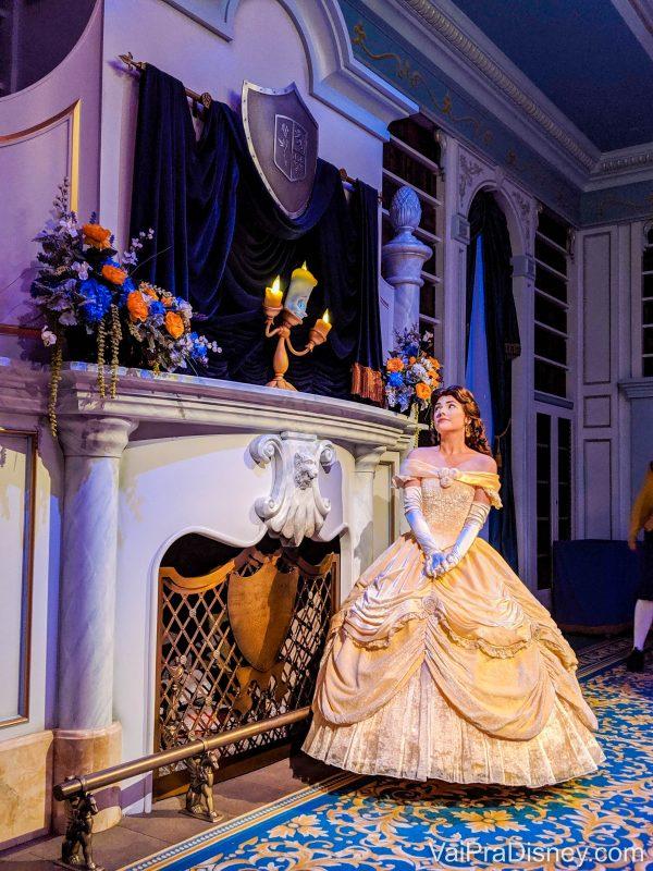 Onde encontrar personagens - Bela dentro da sua própria atração Enchanted Tales with Belle, que fica na Fantasyland, no Magic Kingdom