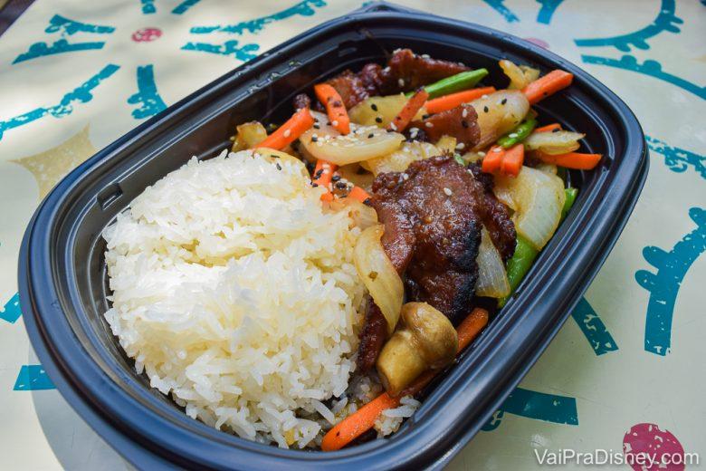 Comidas na Disney - Às vezes a gente sente falta de um arroz, né?