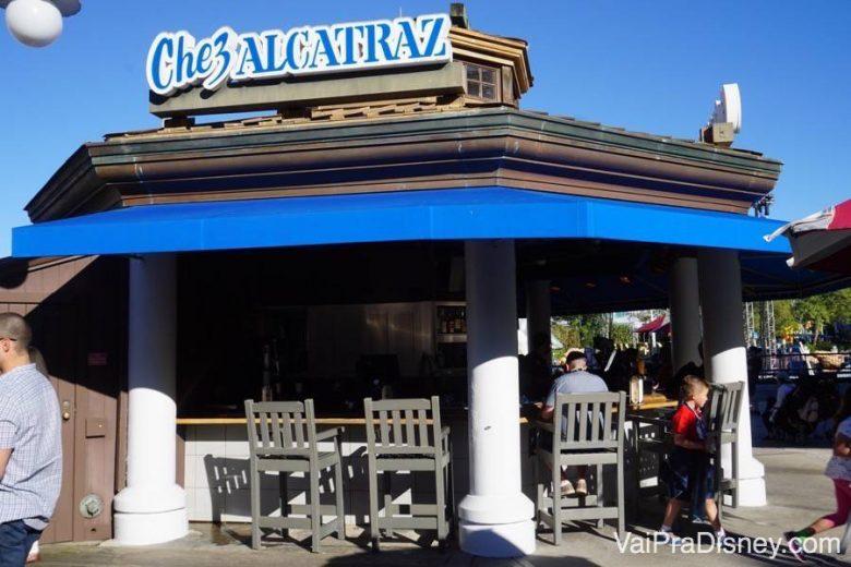 Chez Alcatraz, pra quem quer tomar uma cervejinha e petiscar algo no meio do dia no Universal