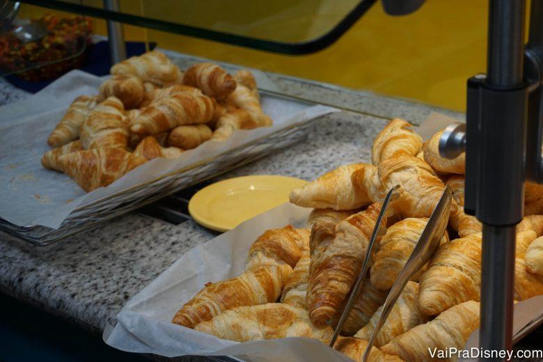 Croissants no buffet do Chef Mickey's